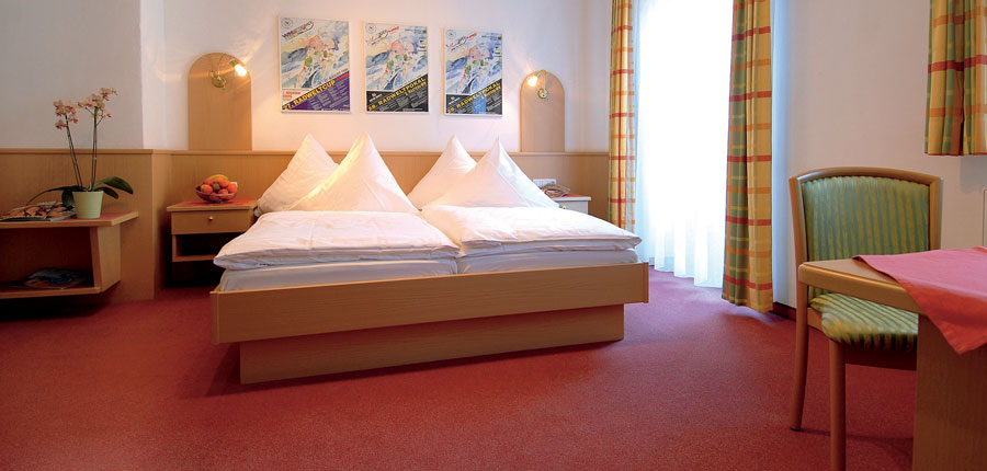 Gasthof Mauth, St. Johann, Austria - bedroom.jpg